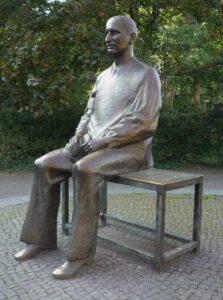 Fritz Cremer Фриц Кремер.Памятник Бертольту Брехту.1986-1989-