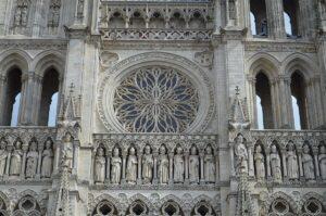 Барельефы Амьенского собора.Франция