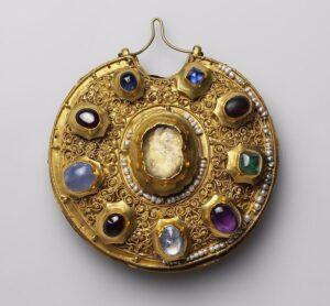 Колт из Рязанского клада.12й век