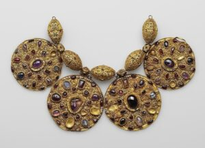 Ожерелье из Рязанского клада.12й век