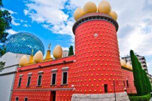 Театр-музей Сальвадора Дали г.Фигерас, Испания
